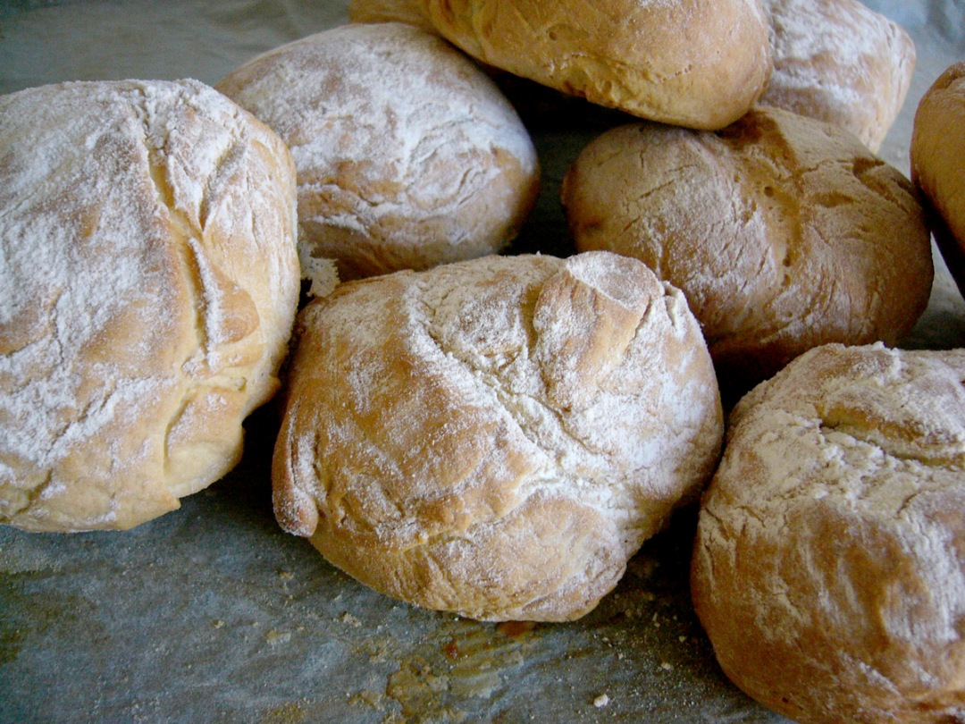 bread-rolls-2