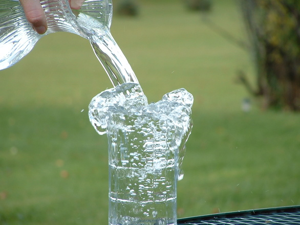 overflowing-glass-3-1259014
